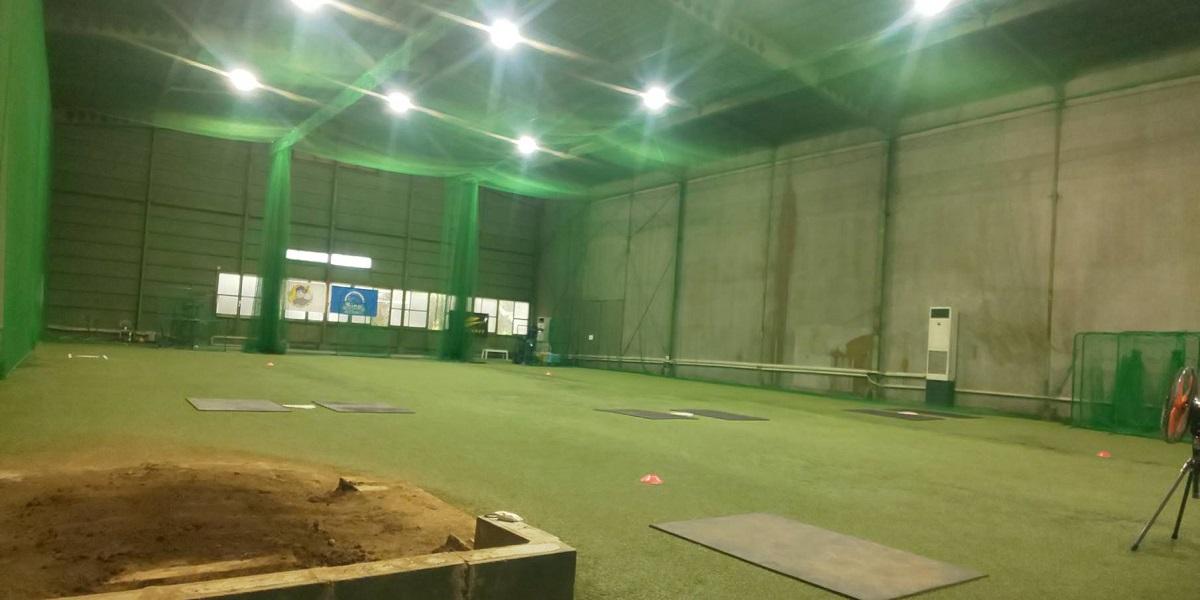 30m×20mの広い室内練習場