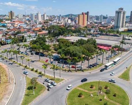 Prefeitura de Pouso Alegre libera bares, restaurantes e academias, mas com limitação de público