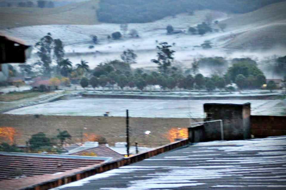Chuva de granizo no Sul de Minas