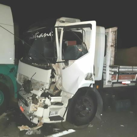 Engavetamento na Fernão Dias enlvove sete veículos e deixa dois feridos