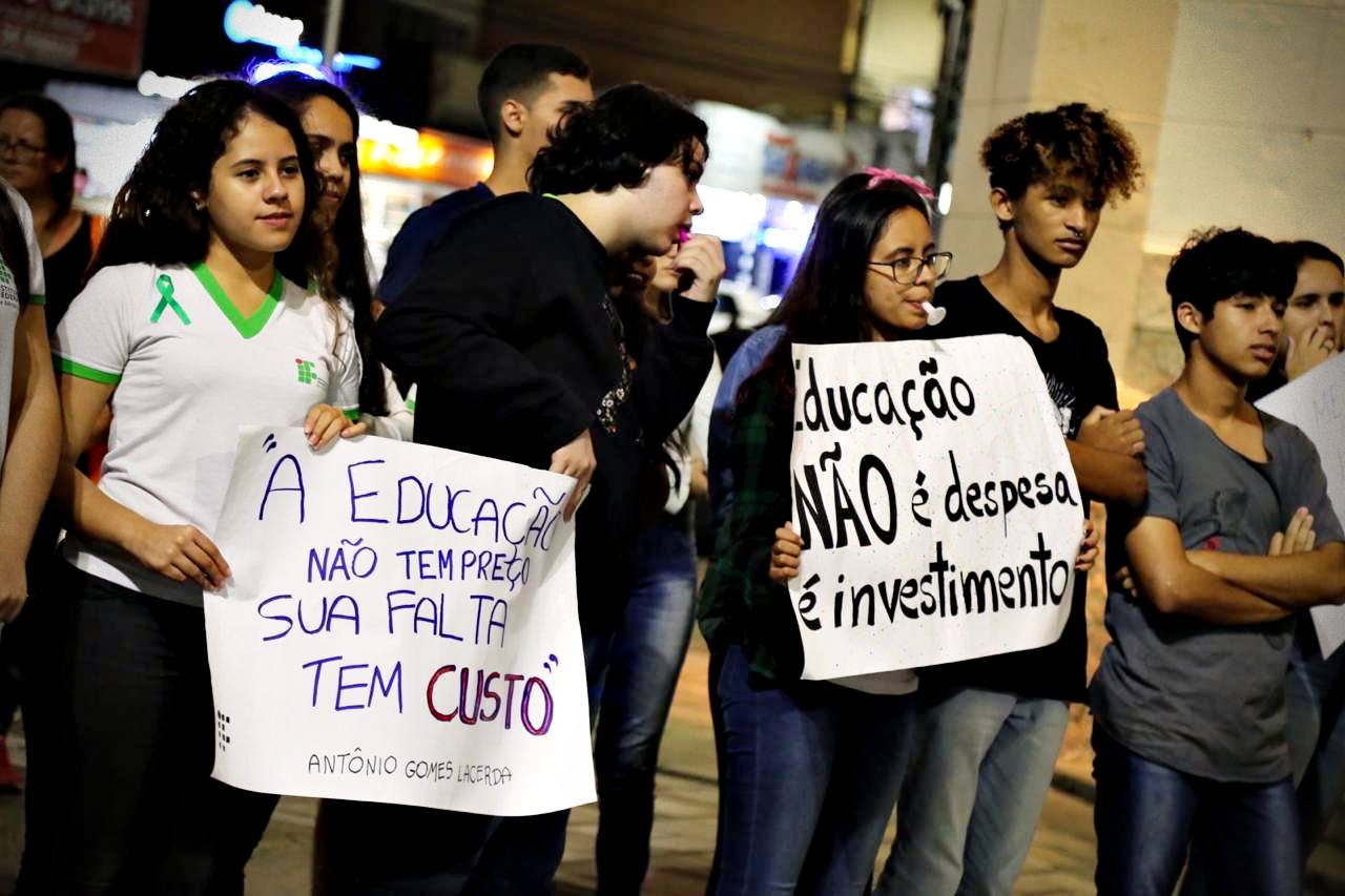 Manifestantes em Pouso Alegre
