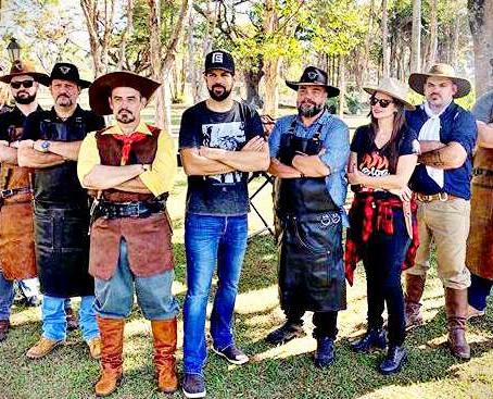 O FOGO CURA! A arte do churrasco: uma tarde com os Assadores