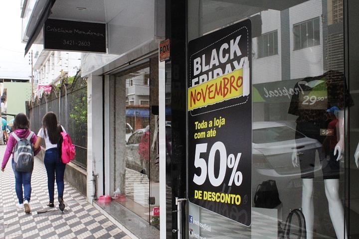 Black Friday movimenta comércio