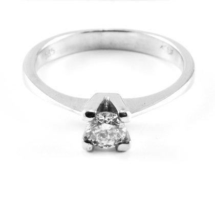14ct Diamond (0.35)