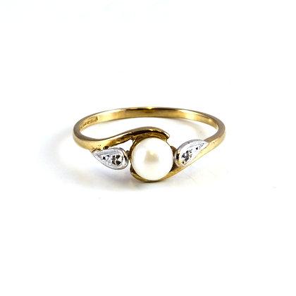 9ct Diamond Pearl