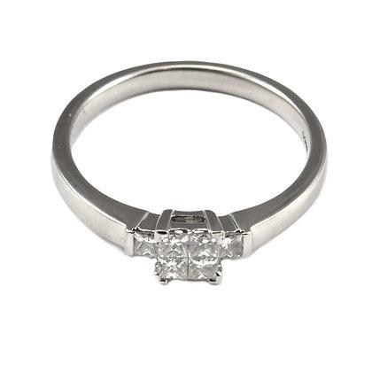 Platinum Diamond Princess cut (0.06)