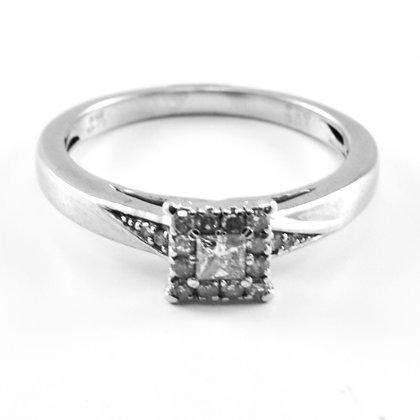 9ct Diamond (0.25)