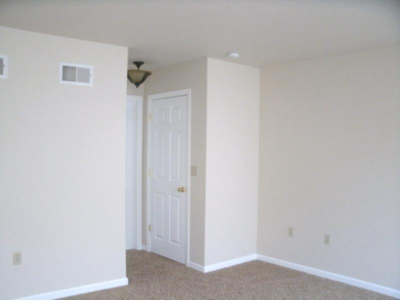 1070 w. bainbridge st - master bedroom.jpg
