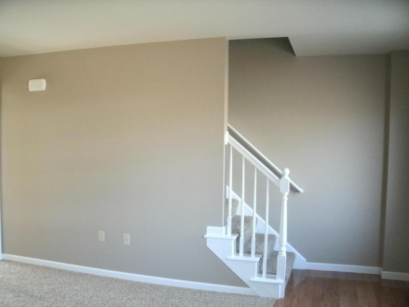 170 w. bainbridge st - living room - 2.jpg