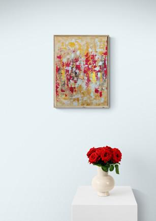 Vase_with_fresh_cut_flowers_on_white_pli