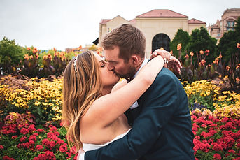 Kelowna Wedding Kissing