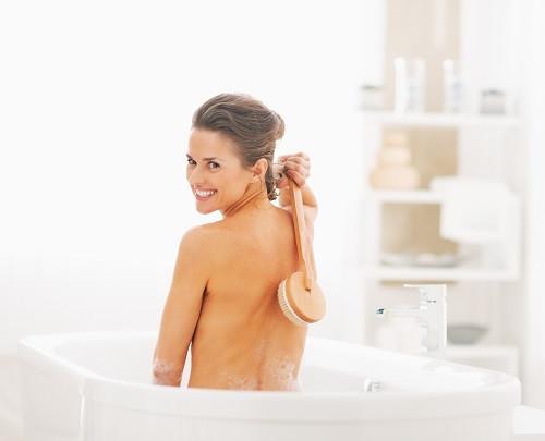 Live Well Natural Skincare_bodybrush.jpg