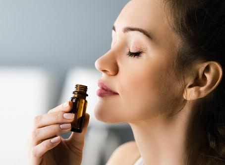 Essential Oils vs Fragrances