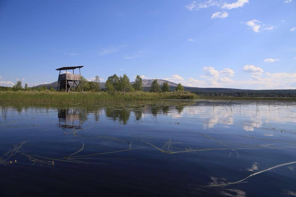 Äkaslompolo lake