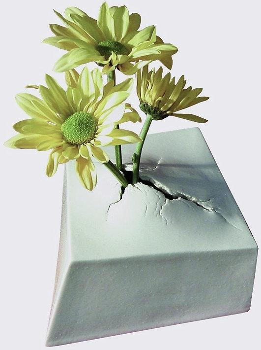small vase_edited_edited.jpg