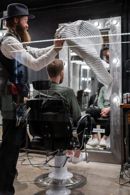 barber-guys-pexels-photo-3998407.jpeg