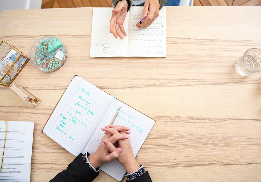 Conseil et accompagnement d'individus pour changer de travail, chercher un travail et se positionner au sein de l'entreprise ou institution
