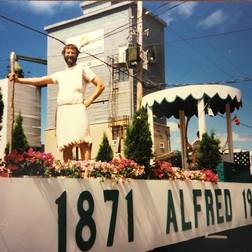 photo parade alfred 150.jpg