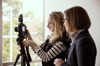 5 reasons Professional Headshots will improve your Business or Career