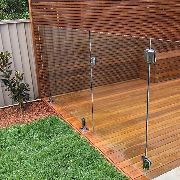 Deck Mounted Frameless Glass Fencing.