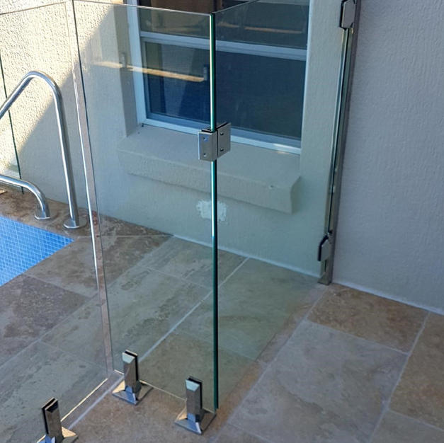 Glass to Post Gate with Polaris Hinges