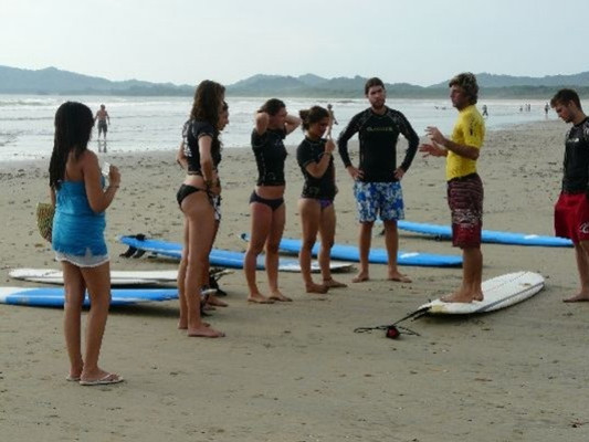 Surf-Lessons-Tamarindo-2-Natives-Way-Cos