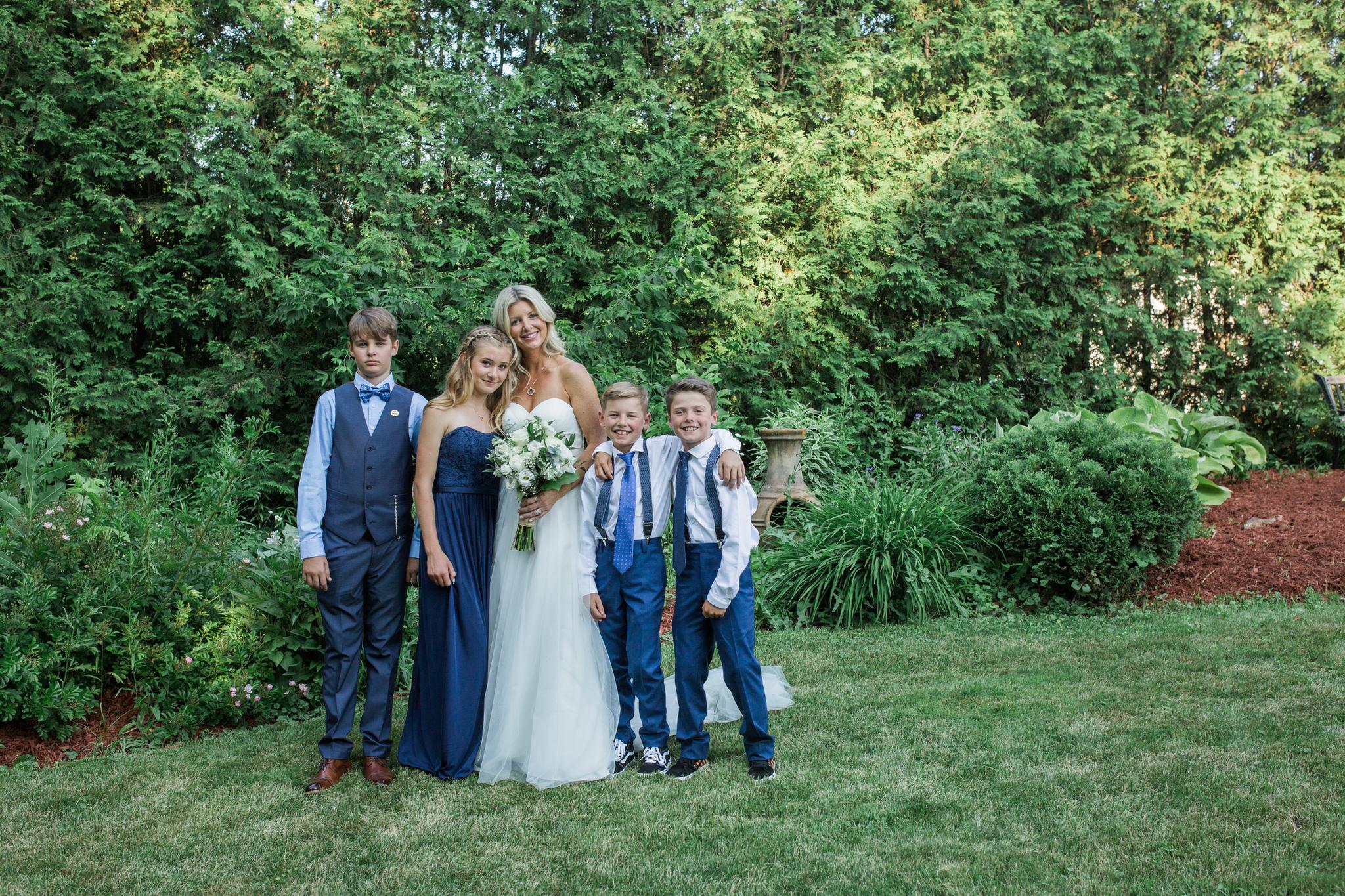 Harvest Restaurant Wedding Brooklin Ontario - family portraits outside