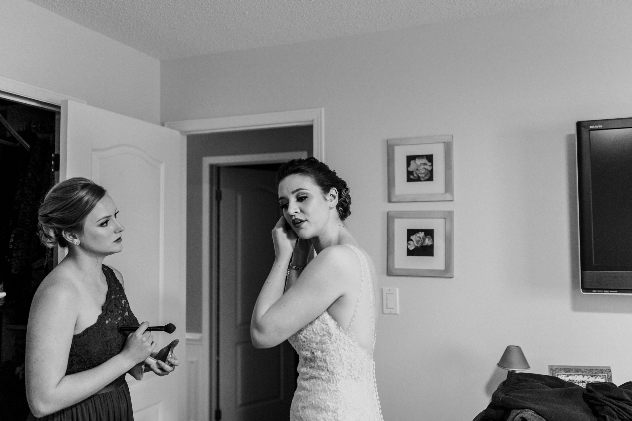 Whitby Documentary Wedding Photographer Carol Poitras - bride getting ready