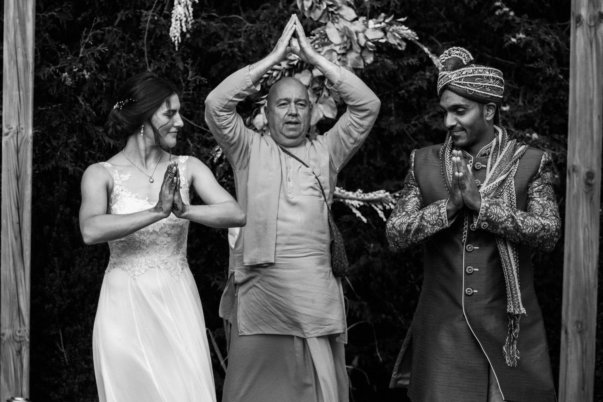 Northview Gardens Wedding - bride and groom hindu wedding tradition