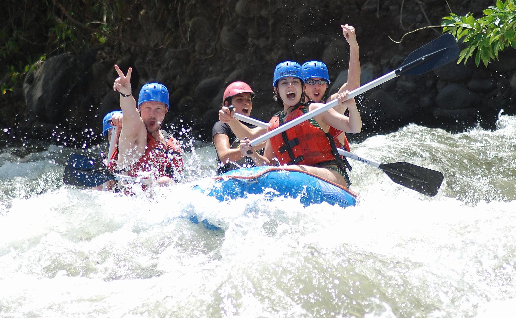 River-rafting-arenal-volcano.jpg