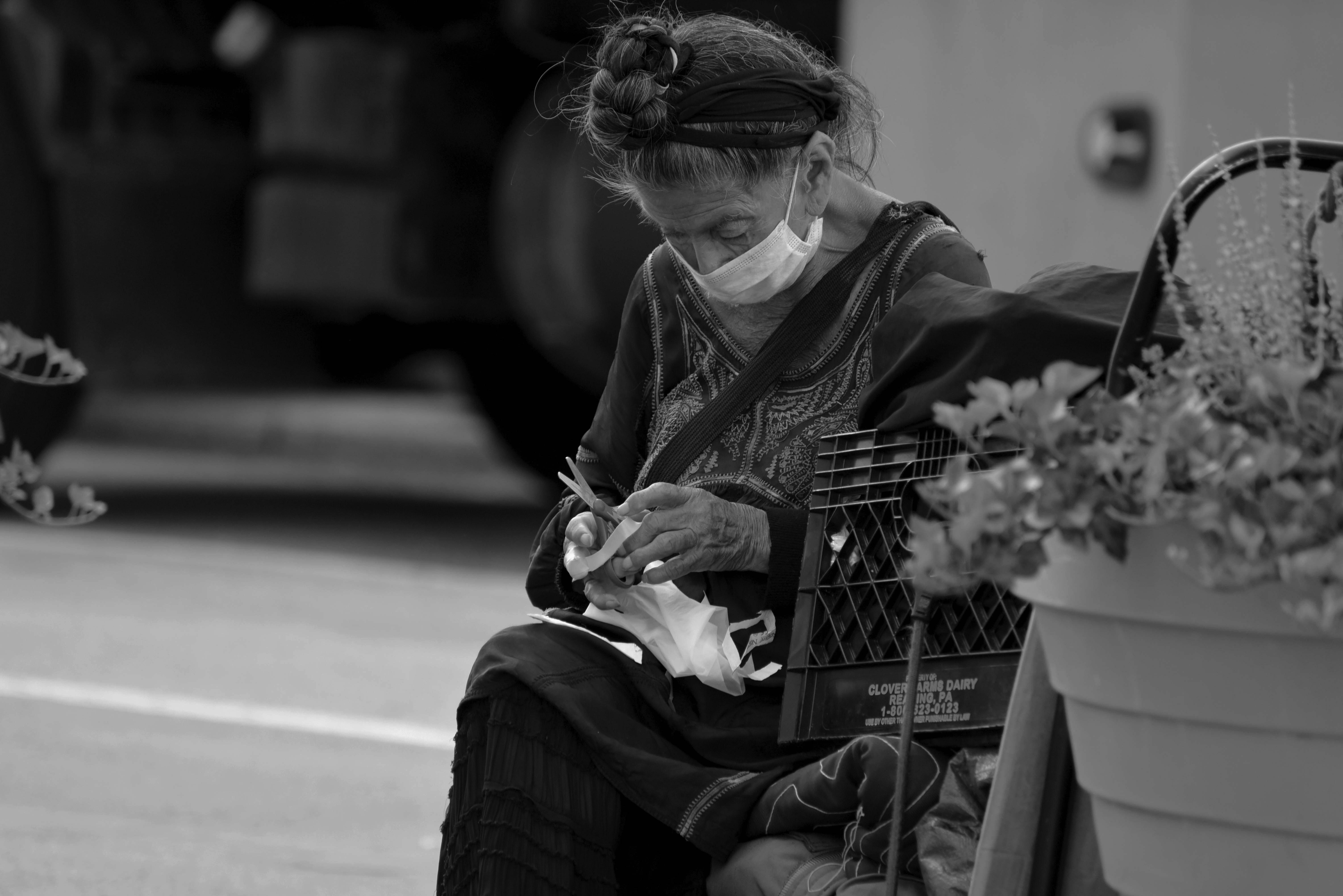 USP Homeless lady scissors
