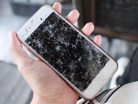 Repair or Replace: How to Determine What To Do With Your Broken Phone