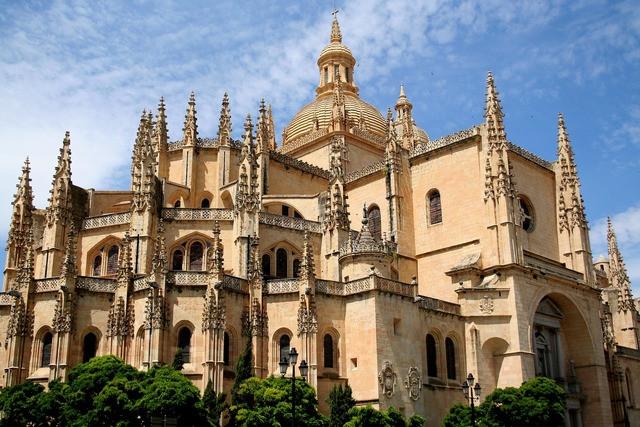 Segovia es la ciudad más fascinante no uy lejos de Madrid