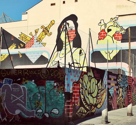 Un Recorrido por Barrios Especiales con los Familiarizados El Graffiti y El Arte Callejero de Madrid