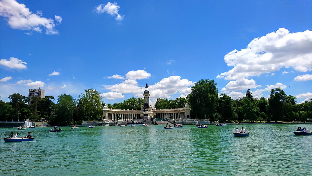 The lake in El Retiro park, where we finish the journey of our Money Heist Experience in Madrid