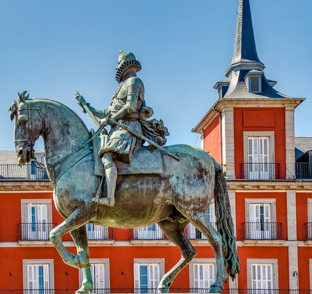 3 Best Surprises That Await You on The Free City Tour of Madrid
