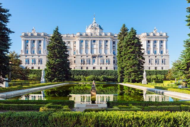 Royal-Palace-Tour.jpg