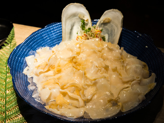 象牙蚌刺身(可油淋) Geoduck Sashimi (or Oil-Dripped)