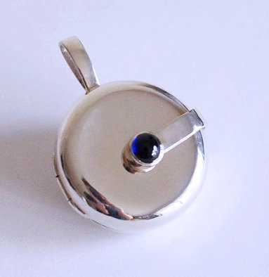 Sapphire silver large