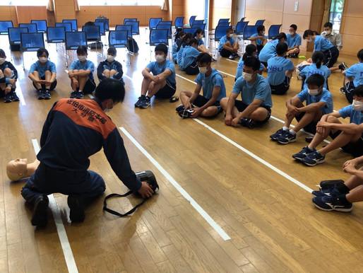【NEWS】7月12日(月) 1年4組 救命救急講習受講 総合的な探求の時間!