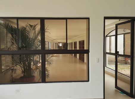 El Aluminio y el Vidrio en las Construcciones Modernas