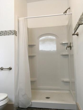BathroomMainfloor2.jpg