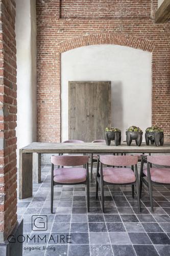 Gommaire-indoor-teak-furniture-table_arc
