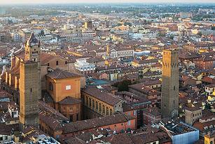 basilica-san-petronio-and-towers-in-bolo