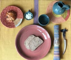 Ceramics, horn work, basketry, handmade as well as fabric (woven by hand) - Abiteka.