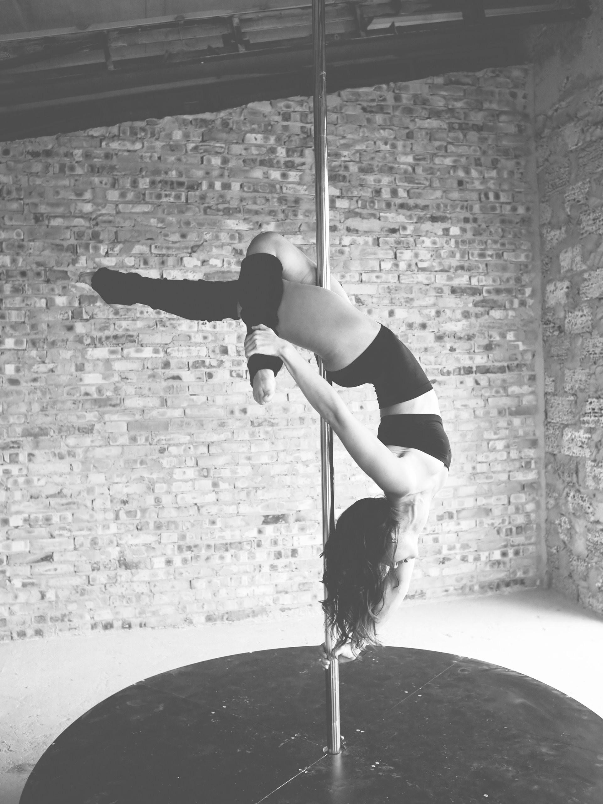 Single Pole Fitness Lesson
