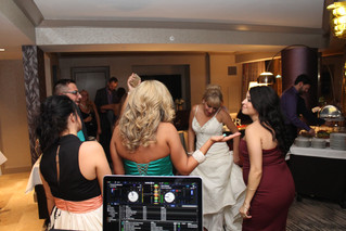 The Best DJ In Las Vegas For Your Wedding Day!