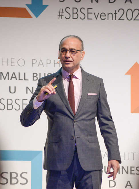 Theo Paphitis and Young Enterpriseshine a light on young entrepreneurs