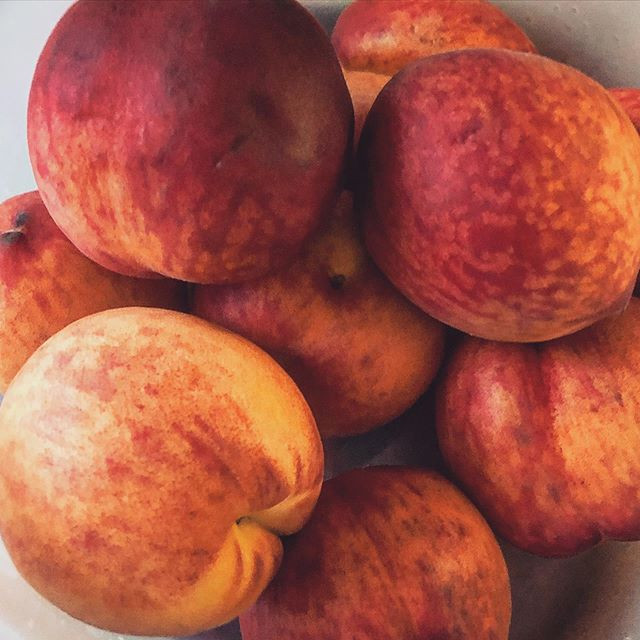 We love peaches 🍑😋💯🔥❤️ #rawvegan #ra