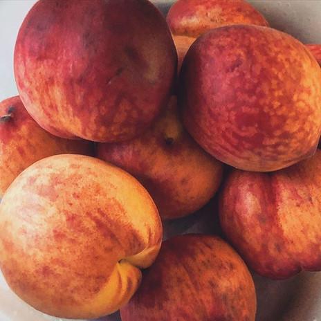 We love peaches 🍑😋💯🔥❤️ #rawvegan #ra